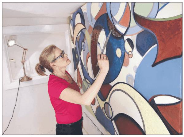 In the Studio, Artist Holly Van Hart, oil painting